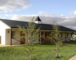 Affordable bunkhouse Accommodation - Swan Valley, WA